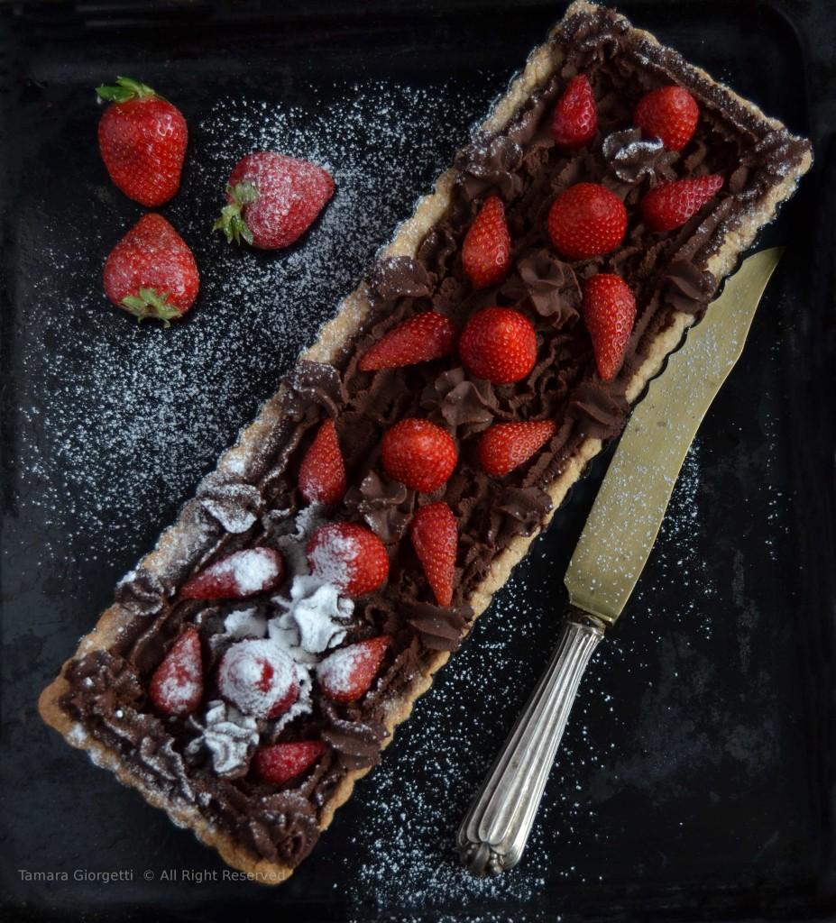tarte con ganache al cioccolato e fragole