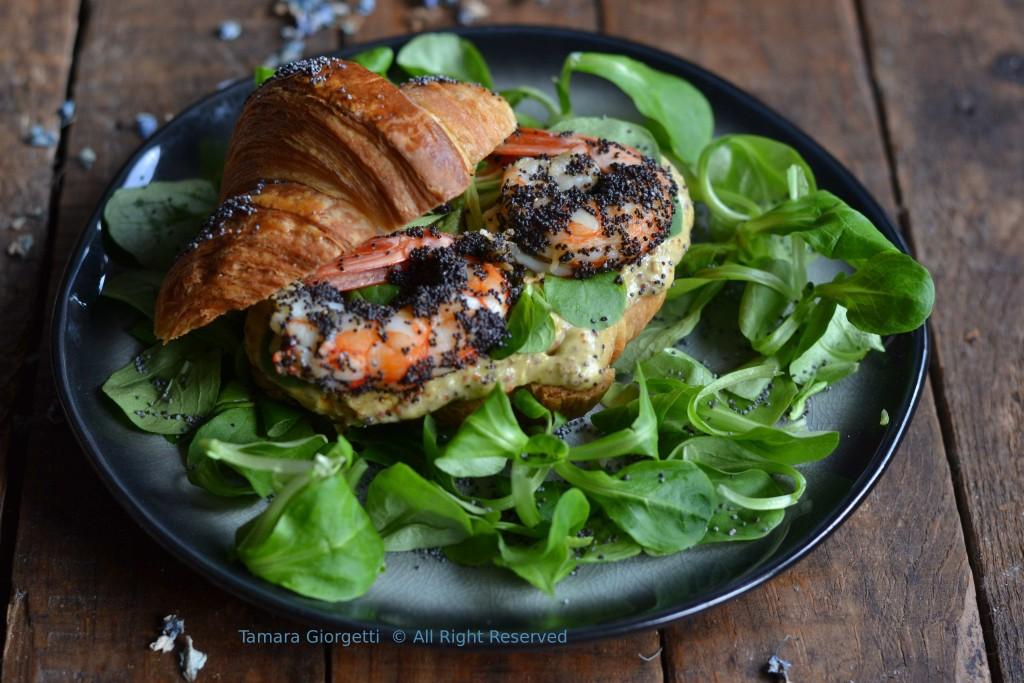 croissant ai gamberi e papavero