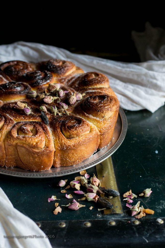 torta di rose con rose e fava tonka V2