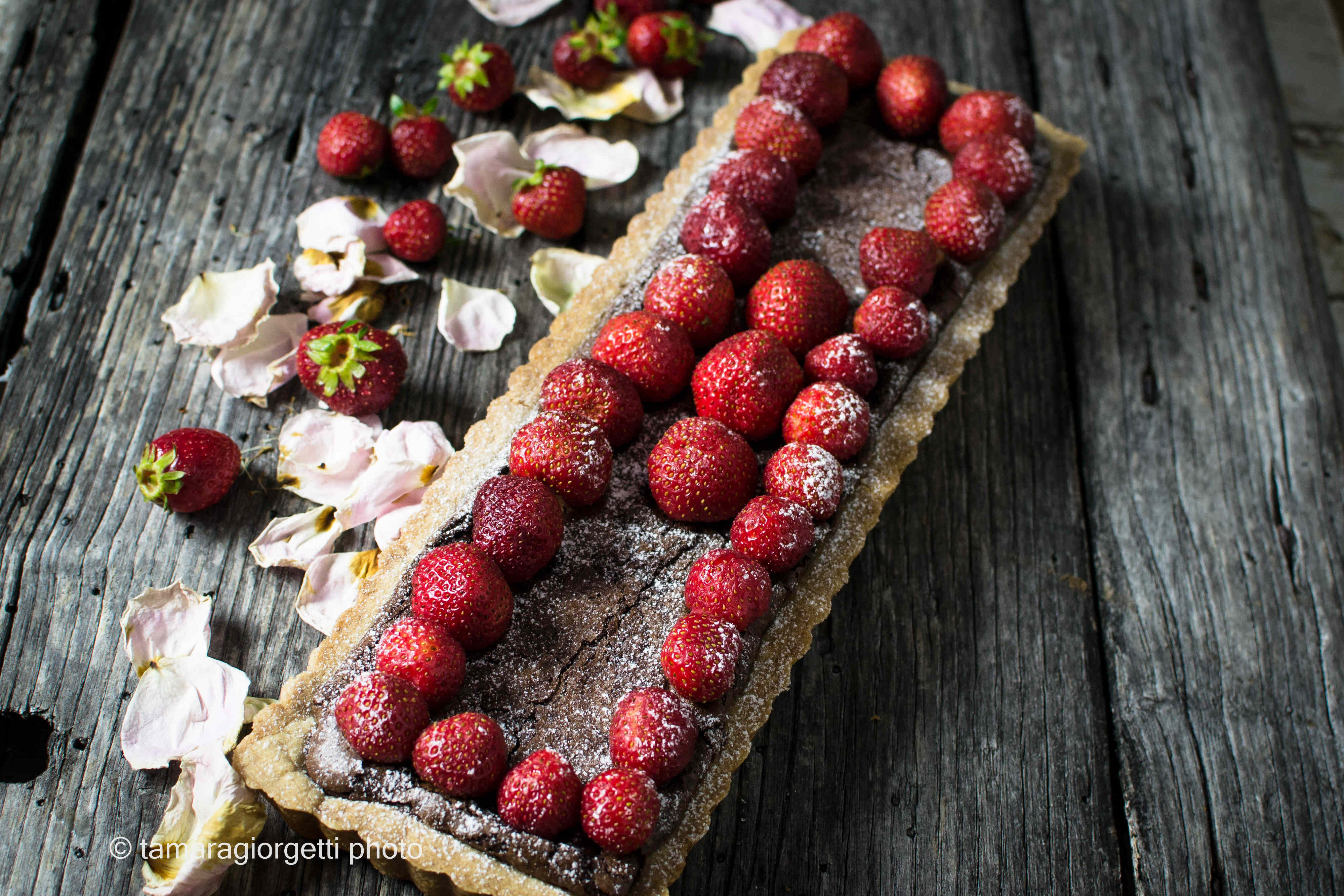 Crostata al cioccolato con confettura di lamponi di Ottolenghi