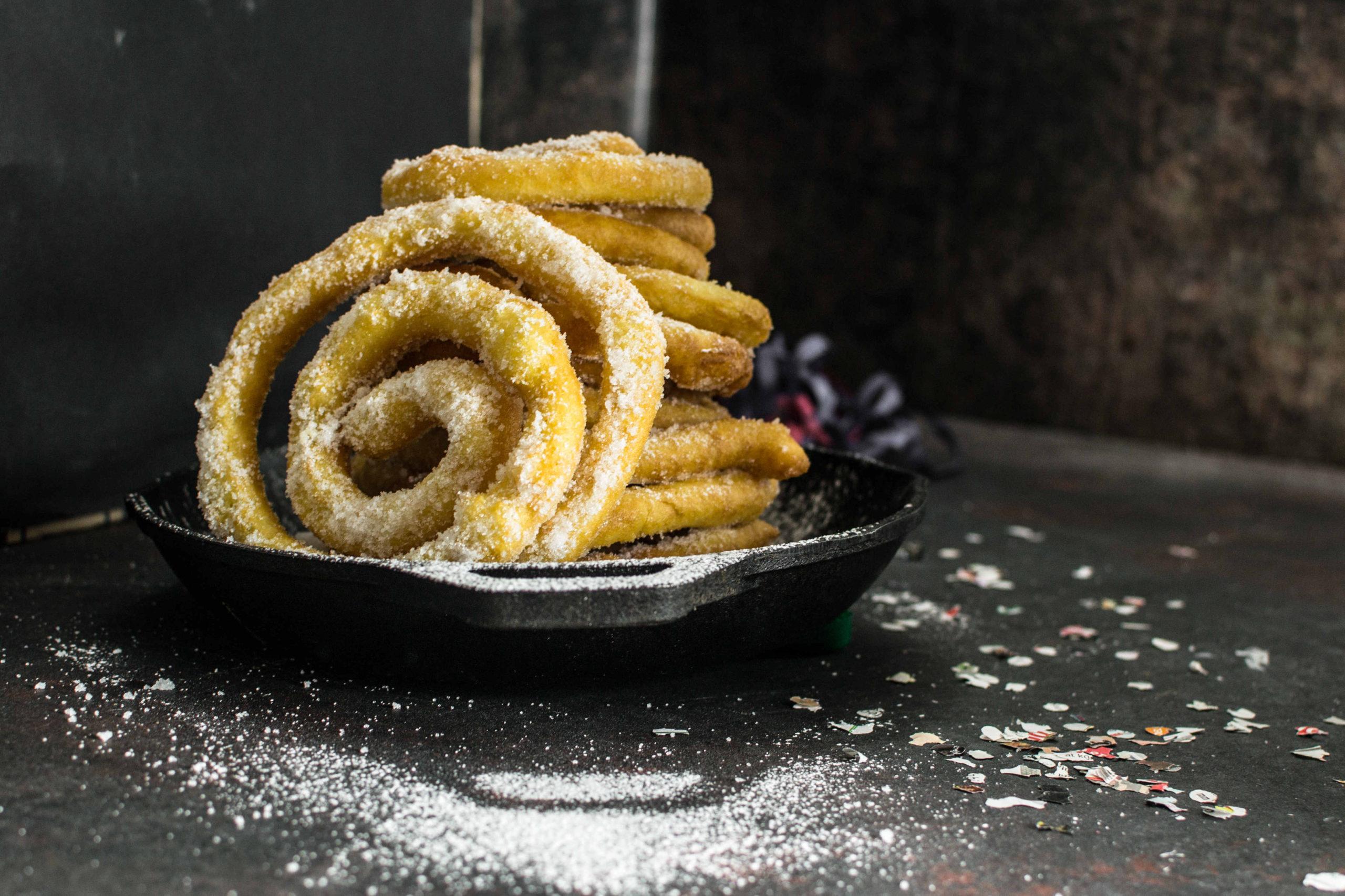 Frisgiori Longhi (frittelle Lunghe)