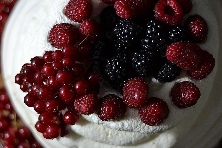 Pavlova Ai Frutti Di Bosco