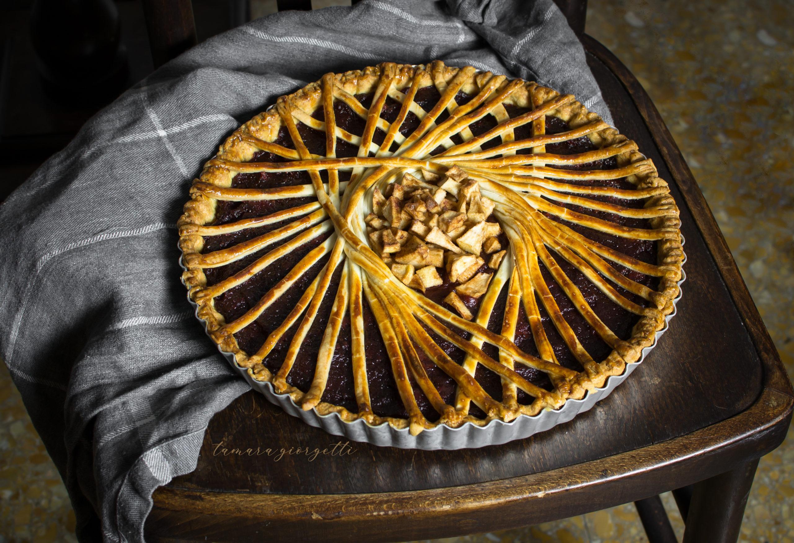 Crostata Decorata Con Confettura Di Mela Cotogna